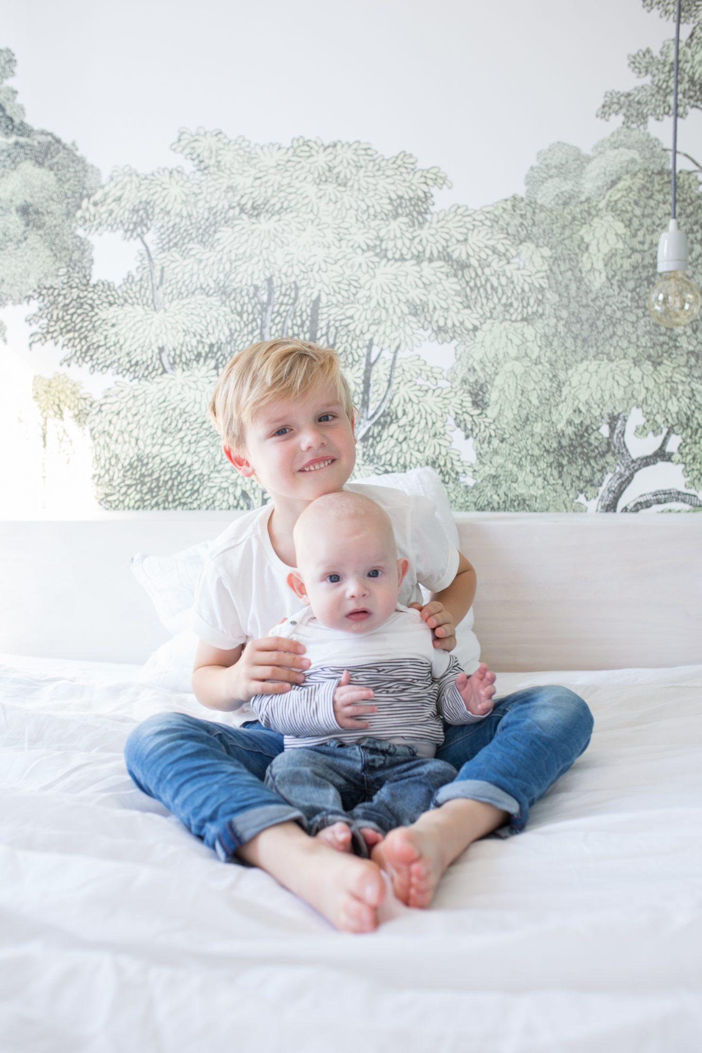 gezinsfotografie op locatie familie fotografie thuis amersfoort laura elkhuizen fotografie