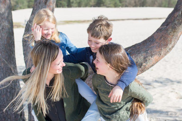 ontspannen gezinsfotografie amersfoort op locatie